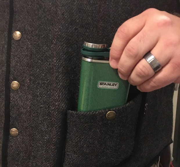 Stanley Classic Flask  Woolrich Vest